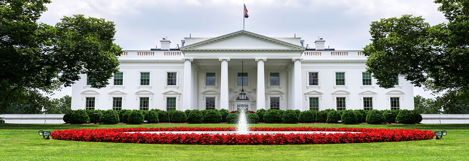 This is a stock photo. The White House in Washington, D.C.